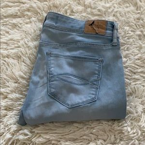 Abercrombie & Fitch • light denim jeans • 6L